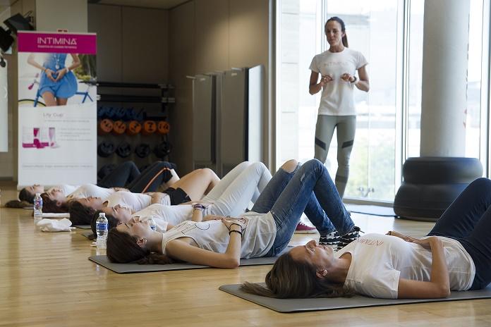fortalecer el suelo pelvico ejericios kegel suelo pelvico fisioterapia isabel del barrio onmytrainingshoes core postura intimina copa menstrual