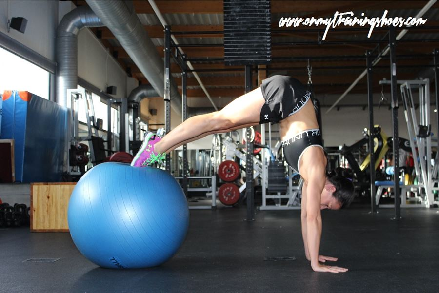 abdominales fitball carpa intenso fuerza gym