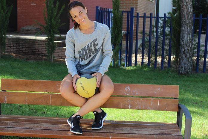 nike sportswear isabel del barrio sudaconestilo moda deportiva sporty style nike women sudadera nike