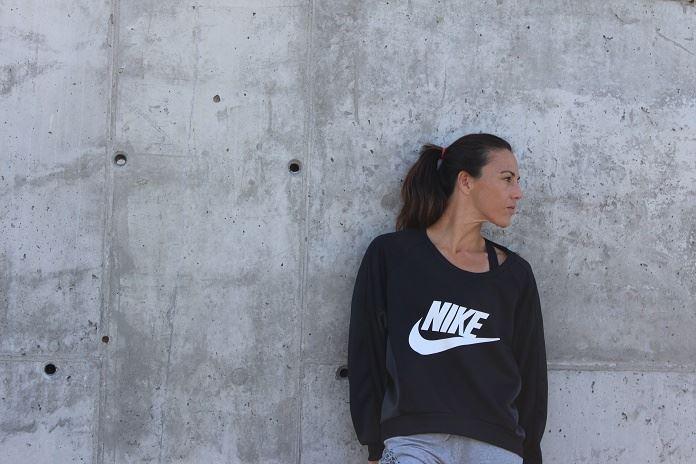 nike sportswear isabel del barrio sudaconestilo moda deportiva sporty style nike women sudadera