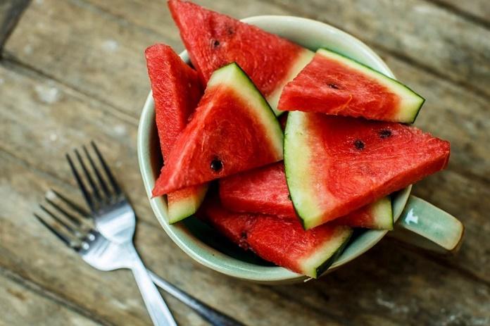 sandia comer sano verano nutricion hidratacion