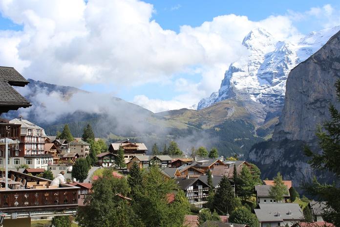 hiking the north face mountain festival deportes de montaña turismo activo outdoor trail running sports suiza escapadas activas lauterbrunnen murren