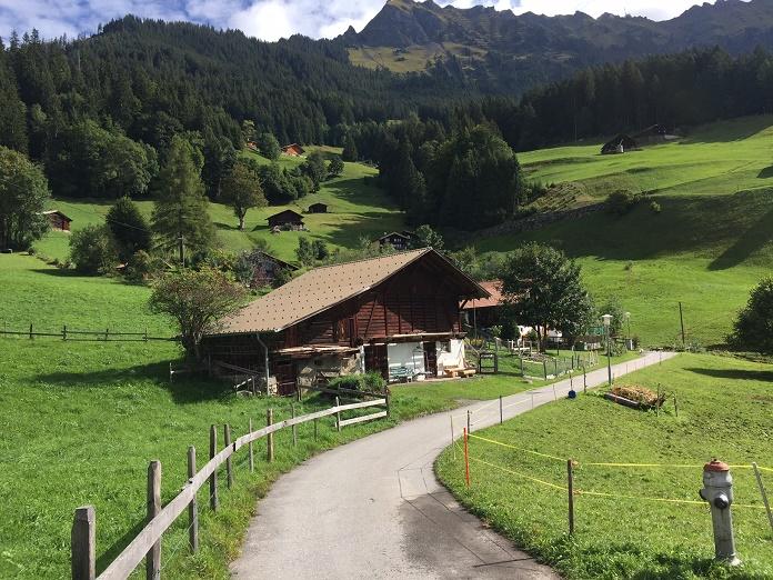 hiking the north face mountain festival deportes de montaña turismo activo outdoor trail running sports suiza escapadas activas lauterbrunnen