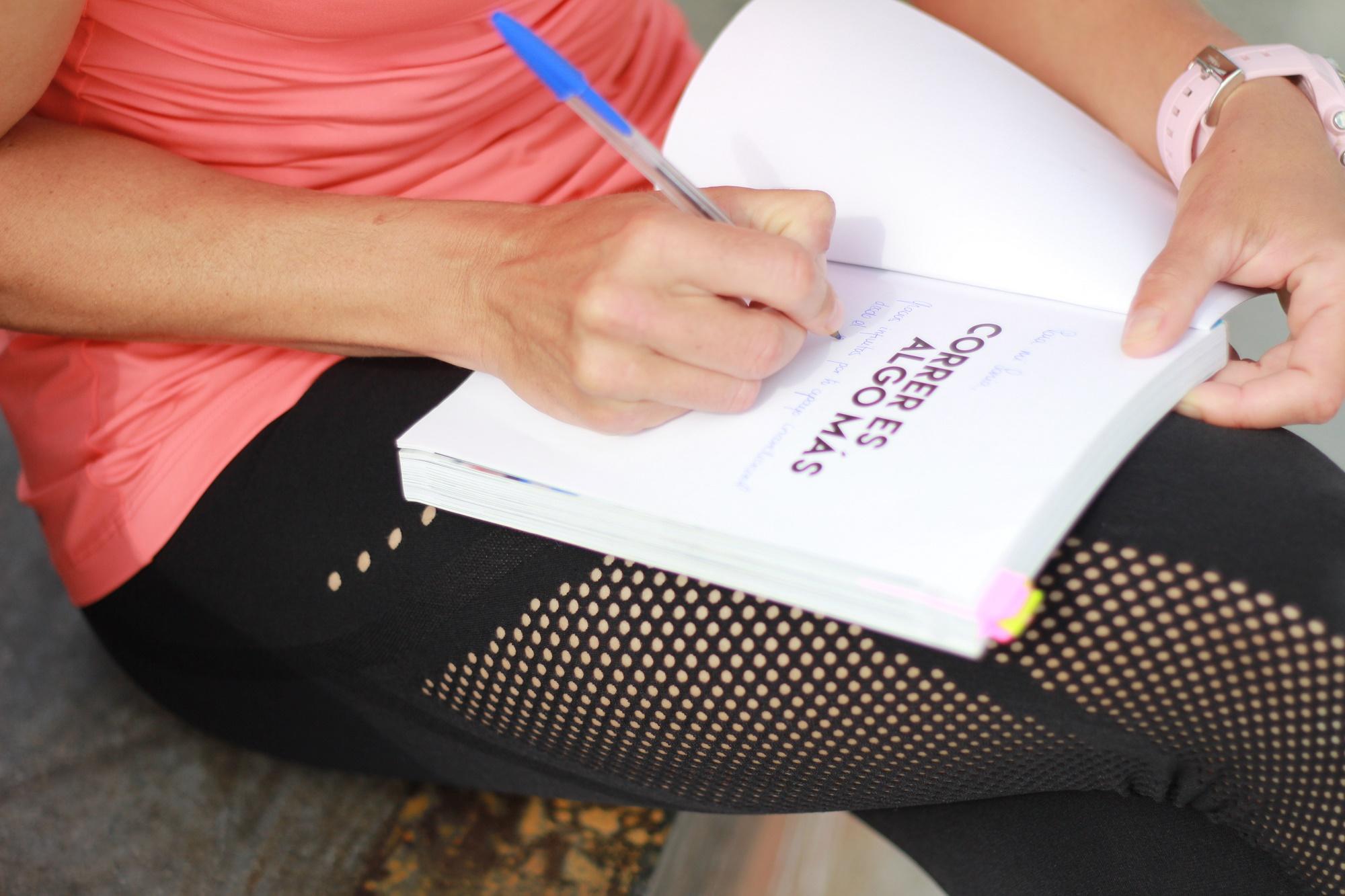 firma d elibros feria del libro rivas vaciamadrid isabel del barrio correr es algo mas correr no es solo correr