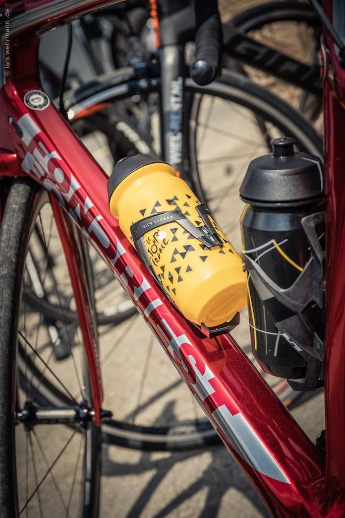 INSIDE LE TOUR DE FRANCE Tissot ciclismo tour de Francia onmytrainingshoes Isabel del barrio Maurizio frondisti viajes experiencia tour frondiest
