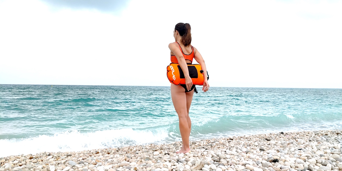ORCA SPORTSWEAR CONSEJOS PARA NADAR EN AGUAS ABIRTAS ISABEL DEL BARRIO open water swim safety buoy
